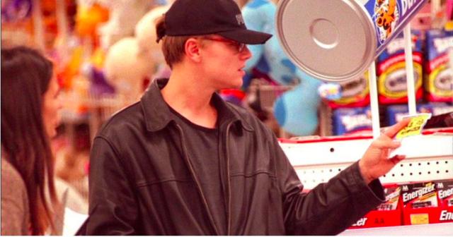 Leonardo DiCaprio tiêu tiền ra sao? - 7
