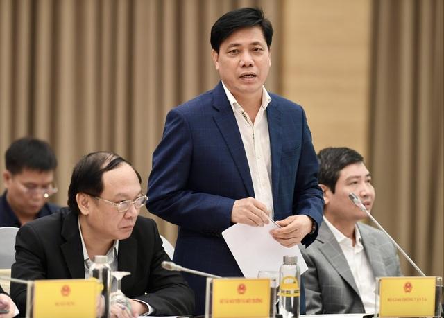 Việt Nam vẫn đón chuyên gia, công dân về nước, hạn chế cách ly tại Hà Nội - 2