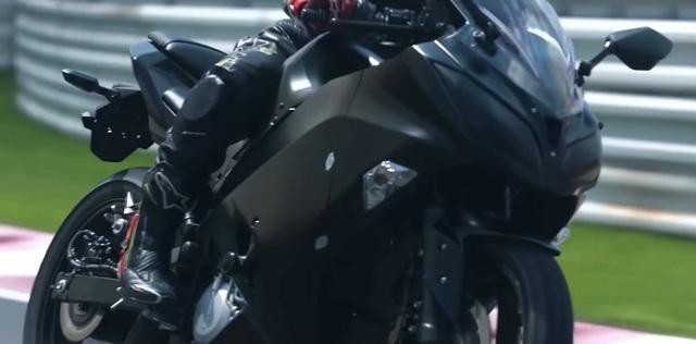 Kawasaki thử nghiệm mô-tô với động cơ hybrid và hộp số 6 cấp - 1