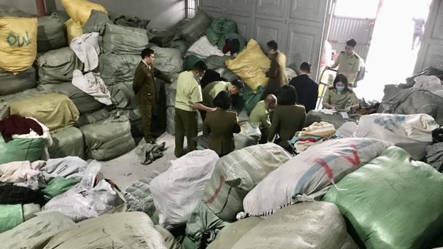 Nhập lậu 28 tấn quần áo sida, tút tát cho mới rồi bán trên Facebook - 3