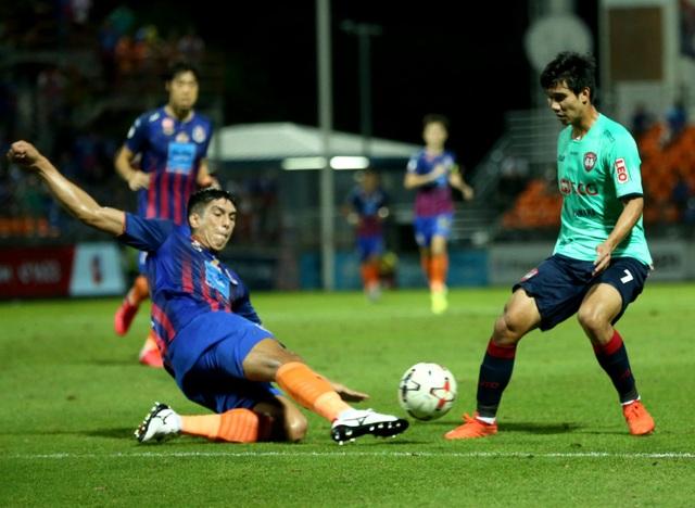 Hàng thủ yếu kém, đội bóng của Văn Lâm bại trận trước Port Authority - 3