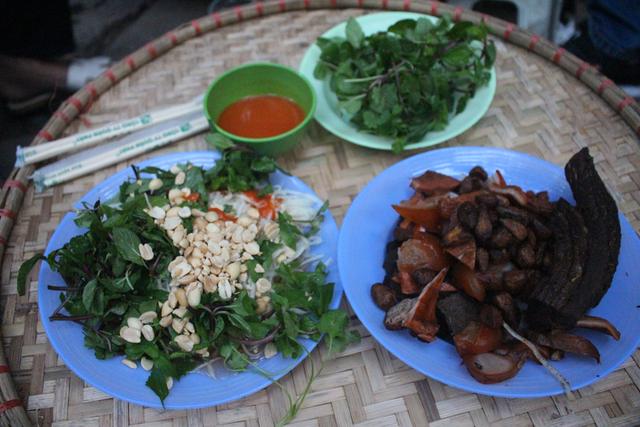 Món nộm vỉa hè có tên độc nhất Hà Nội, công thức được mua bằng cả cây vàng - 7