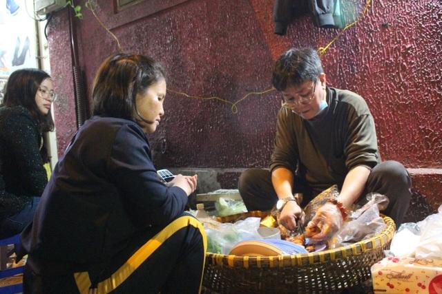 Món nộm vỉa hè có tên độc nhất Hà Nội, công thức được mua bằng cả cây vàng - 10