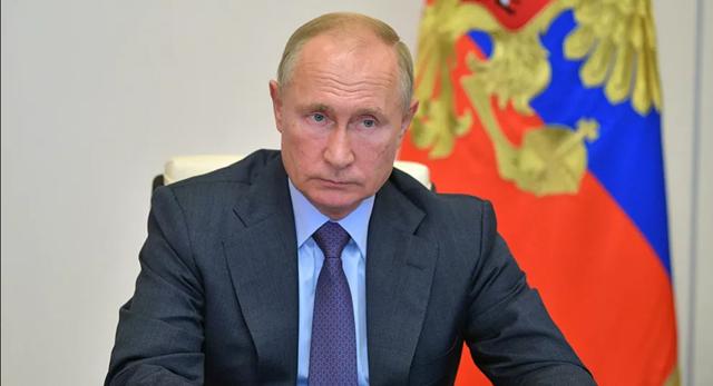Ông Putin lệnh tiêm chủng hàng loạt vắc xin Covid-19 - 1