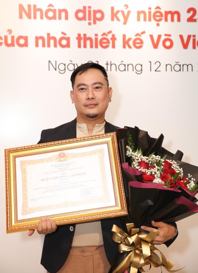 Dàn sao Việt đến chúc mừng Võ Việt Chung nhận Huân chương Lao động - 1