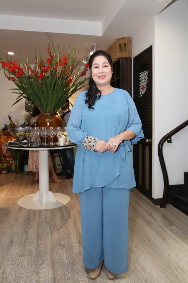 Dàn sao Việt đến chúc mừng Võ Việt Chung nhận Huân chương Lao động - 4