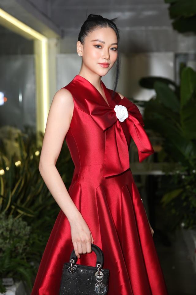 Dàn sao Việt đến chúc mừng Võ Việt Chung nhận Huân chương Lao động - 6