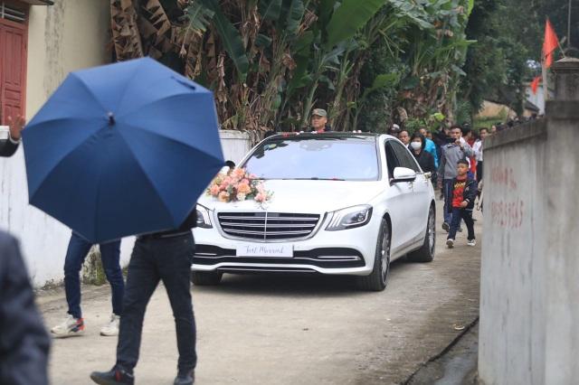 Công Phượng - Viên Minh nắm tay nhau hạnh phúc ra mắt họ nhà chồng - 1