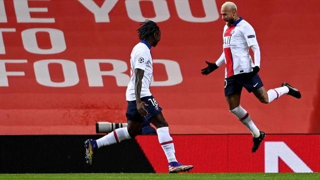 Man Utd thất bại đắng ngắt trên sân nhà trước PSG - 6