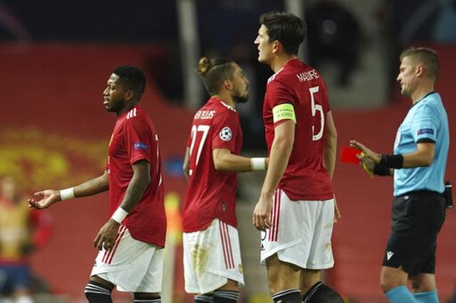 Man Utd thất bại đắng ngắt trên sân nhà trước PSG - 18