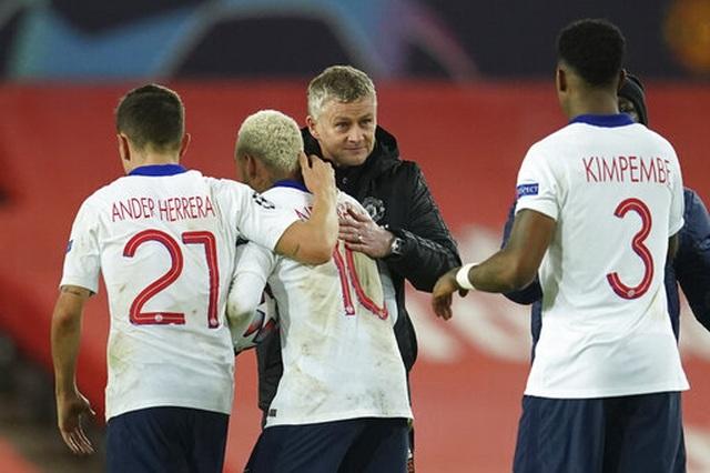 Man Utd thất bại đắng ngắt trên sân nhà trước PSG - 21
