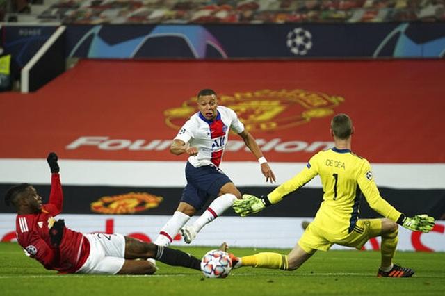 Man Utd thua PSG: Khi lỗi lầm chồng chéo lỗi lầm - 1