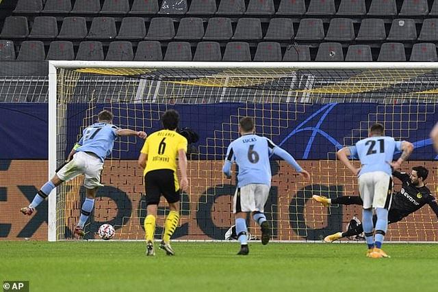 Vắng Erling Haaland, Borussia Dortmund bị Lazio cầm hòa trên sân nhà - 3