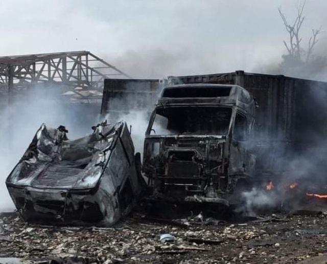 Vụ cháy nổ lớn gần biên giới: Do cán bộ hải quan chọc trúng pháo lậu - 4