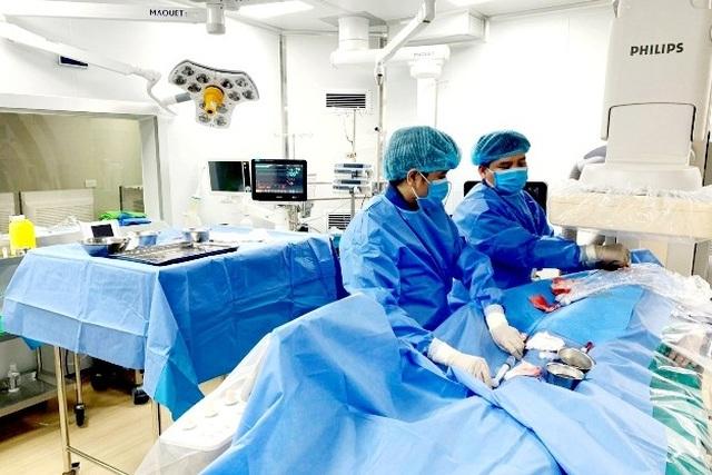 Điều trị ung thư gan bằng phương pháp nút tắc mạch - 1