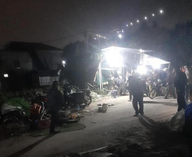 Nghi án chồng dùng dao chém vợ tử vong tại chợ Xuân Quan - 1