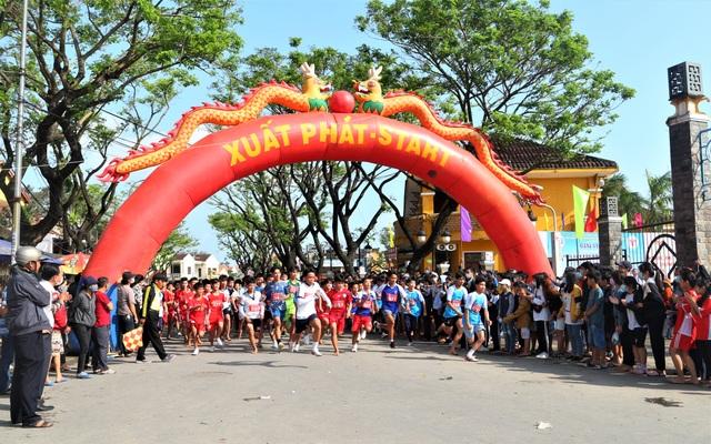 Hơn 700 người dân cùng du khách chạy Vì Di sản Văn hóa Hội An - 1