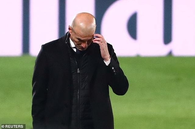 Real Madrid gặp khó, Sergio Ramos thể hiện quyền uy anh cả - 2