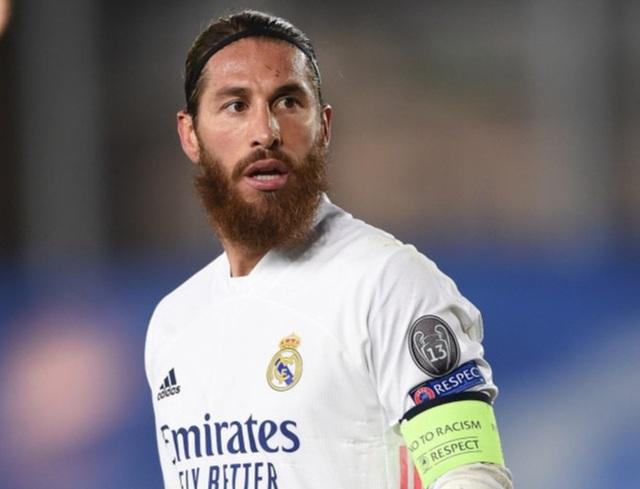 Real Madrid gặp khó, Sergio Ramos thể hiện quyền uy anh cả - 1