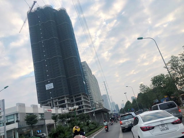 Cận cảnh cao ốc nhấn chìm con đường BT Hà Nội - 5