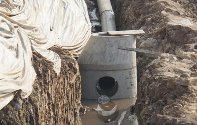 Cận cảnh công trình tách nước thải khỏi sông Tô Lịch - 12