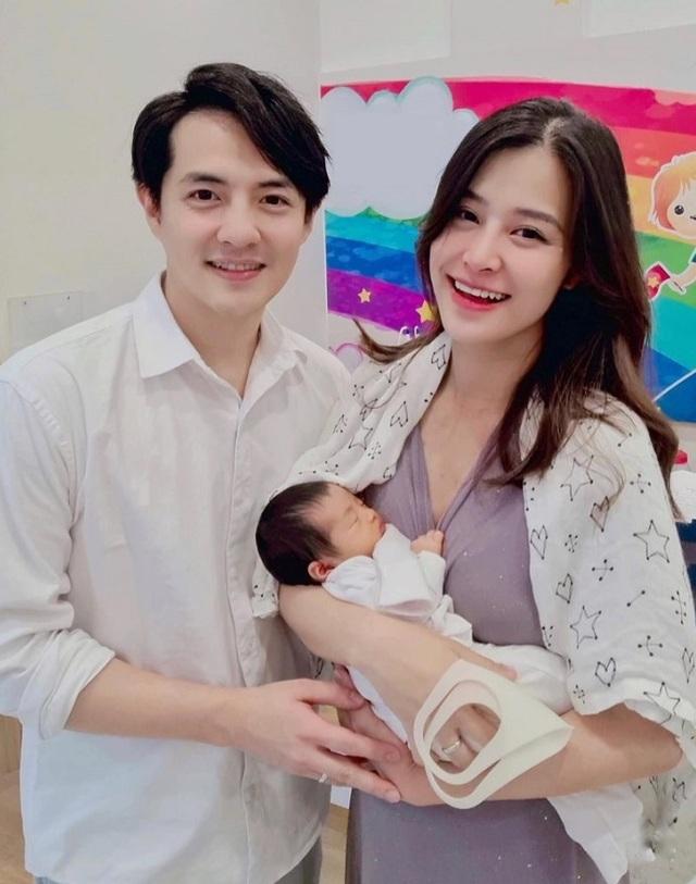 Vợ chồng Hoa hậu Đặng Thu Thảo khoe ảnh con trai cưng - 4