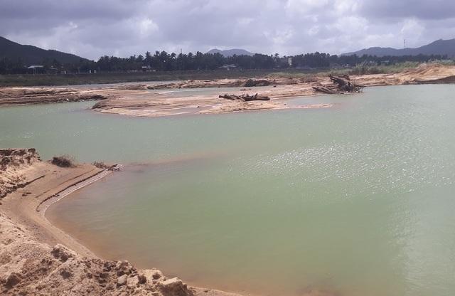 Núp bóng dự án, ồ ạt khai thác cát trên sông Lại Giang - 2