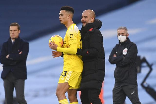 Man City 2-0 Fulham: Sterling - De Bruyne, kẻ tung người hứng - 5