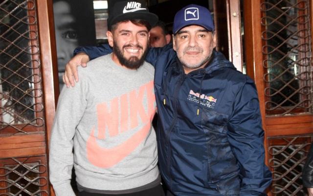 Bạn thân tiết lộ trên sóng truyền hình việc Maradona có thêm hai con rơi - 3
