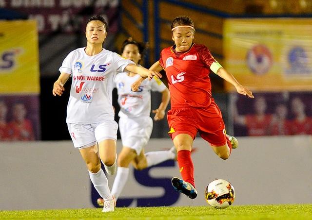 Thắng đội nữ Hà Nội, nữ TPHCM chạm tay vào ngôi hậu giải vô địch quốc gia - 1