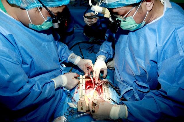 Hành trình ghép tim xuyên Việt đặc biệt của Bệnh viện Trung ương Huế - 3