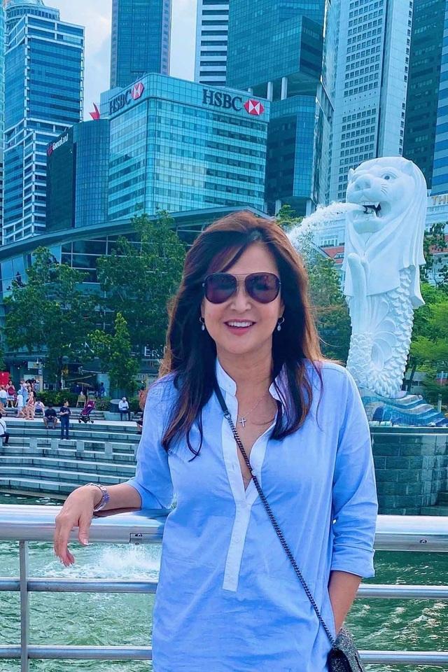 Ca sĩ Lưu Bích tuổi 51 trẻ đẹp, vui vẻ chọn kiếp lẻ loi không chồng con - 13