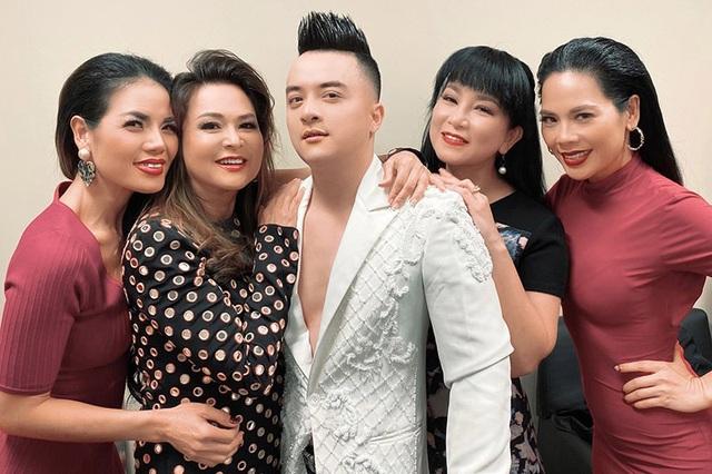Ca sĩ Lưu Bích tuổi 51 trẻ đẹp, vui vẻ chọn kiếp lẻ loi không chồng con - 23