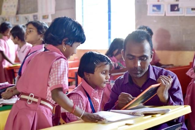 Hành trình phi thường của thầy giáo Ấn Độ đoạt giải Giáo viên toàn cầu 2020 - 4