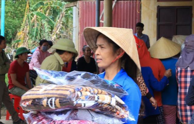 Thanh niên Bình Phước hỗ trợ 1 tỷ đồng cho người dân vùng lũ - 4