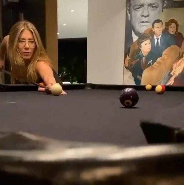 Tiết lộ về tình bạn đặc biệt của vợ cũ Brad Pitt và bạn diễn - 1