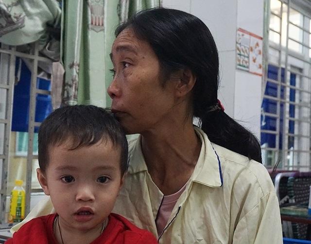 Người phụ nữ cùng lúc mất cả chồng lẫn con mơ một chiếc chân giả - 6