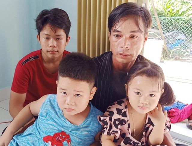 Mẹ mất, cha bệnh nặng, 3 trẻ trước nguy cơ đói nghèo, bơ vơ như chim vỡ tổ - 1