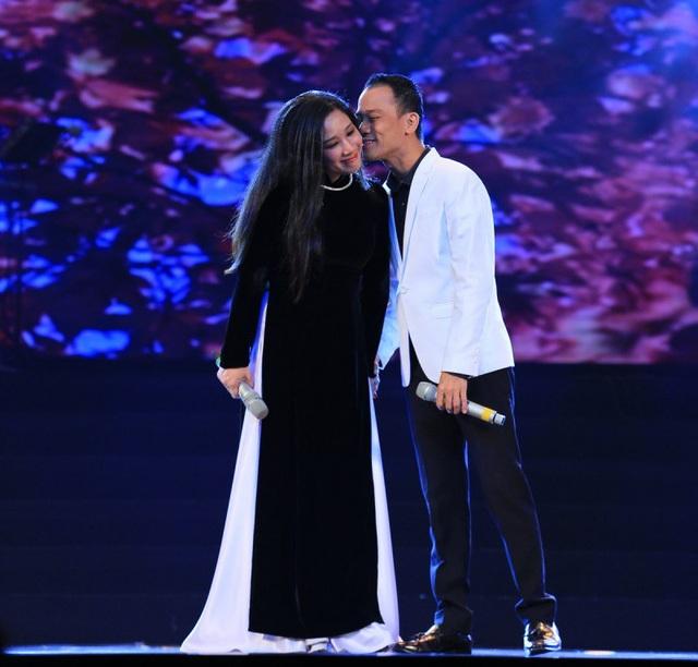 Thanh Thanh Hiền đã ly hôn con trai Chế Linh sau 7 năm gắn bó - 1