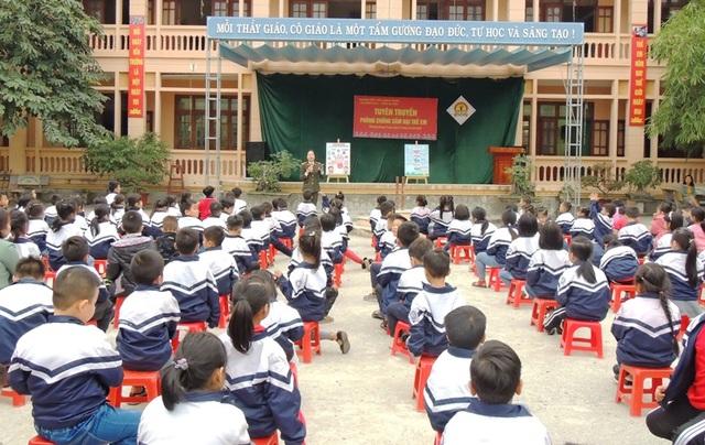 500 giáo viên và học sinh được tuyên truyền Phòng, chống xâm hại trẻ em - 1