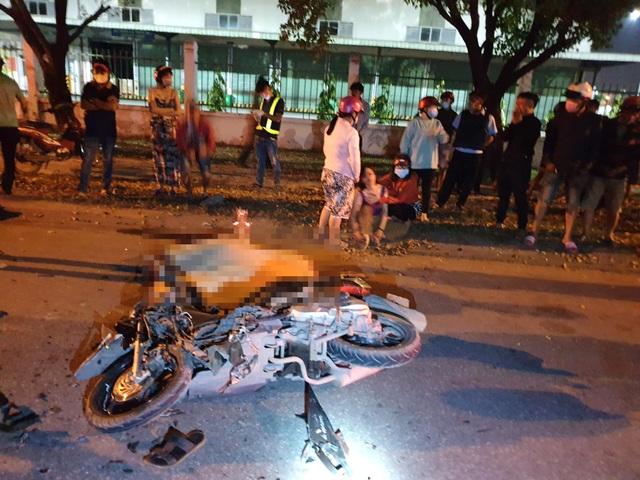 Xe máy tông nhau kinh hoàng, 2 người tử vong - 3