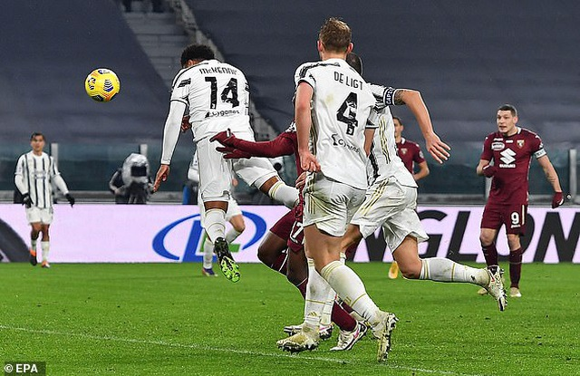 C.Ronaldo tịt ngòi, Juventus vẫn ngược dòng ngoạn mục - 4