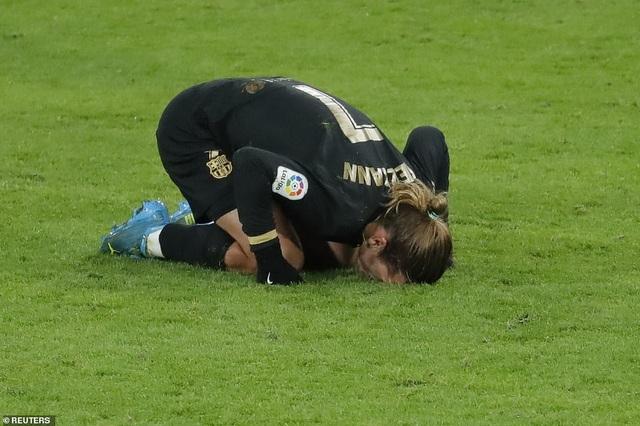 Barcelona thua sốc ngay trên sân của Cadiz - 8