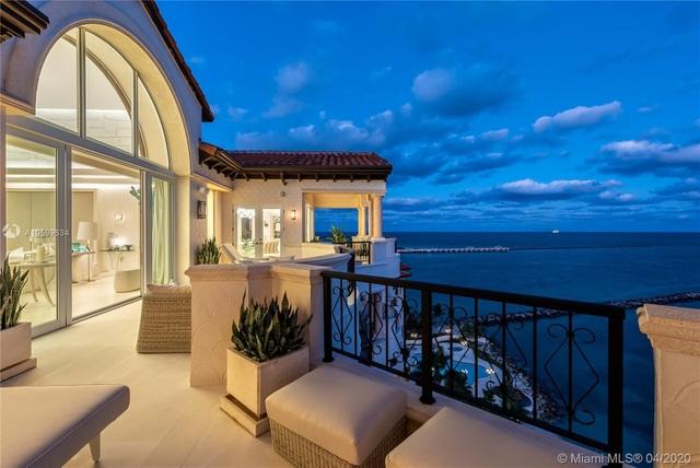 Căn penthouse xa hoa ngắm trọn view biển giá 20 triệu USD của tỷ phú Canada - 3
