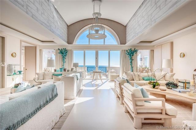 Căn penthouse xa hoa ngắm trọn view biển giá 20 triệu USD của tỷ phú Canada - 4