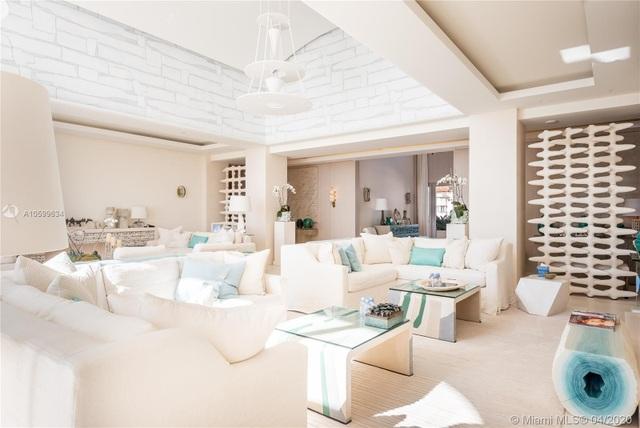 Căn penthouse xa hoa ngắm trọn view biển giá 20 triệu USD của tỷ phú Canada - 7
