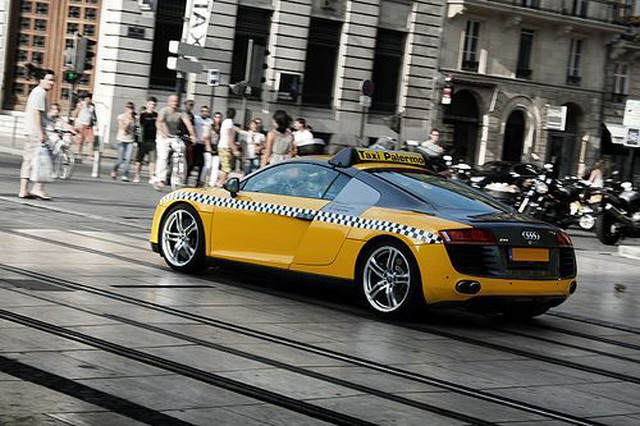 Những chiếc xe taxi sang chảnh nhất thế giới - 15