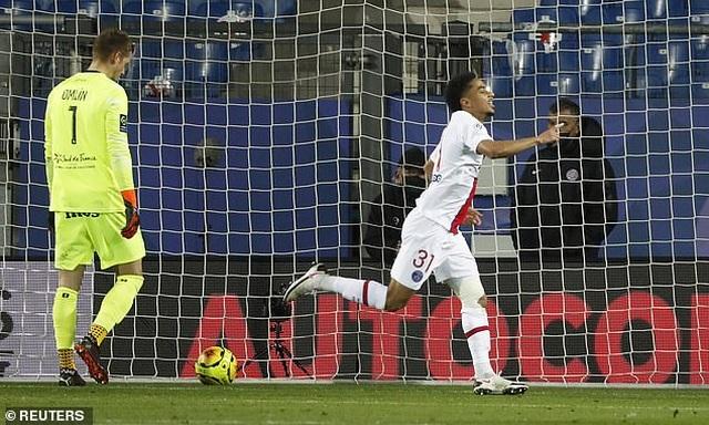 Mbappe lấy lại cảm giác ghi bàn giúp PSG thắng đậm - 1