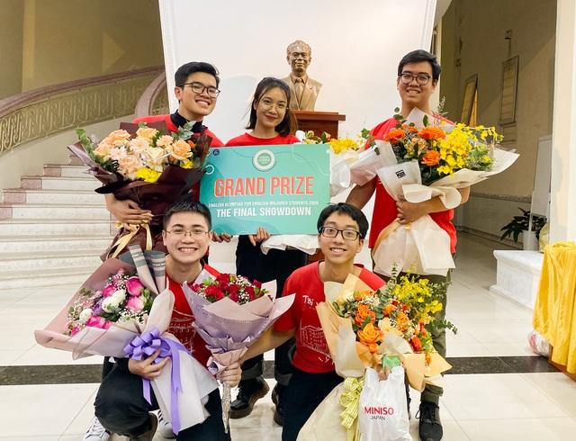 Sinh viên trường ĐH Y Hà Nội vô địch cuộc thi Olympic tiếng Anh toàn quốc - 2