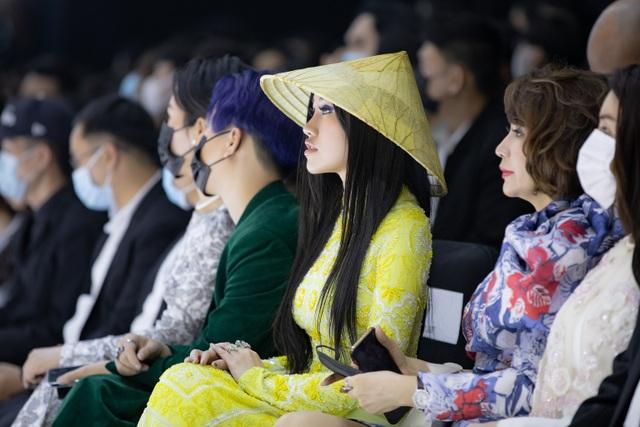 Hoa hậu Emily Hồng Nhung duyên dáng với áo dài đính đá - 5